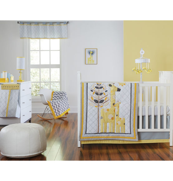 Safari Giraffe 4-Piece Infant Bedding Set